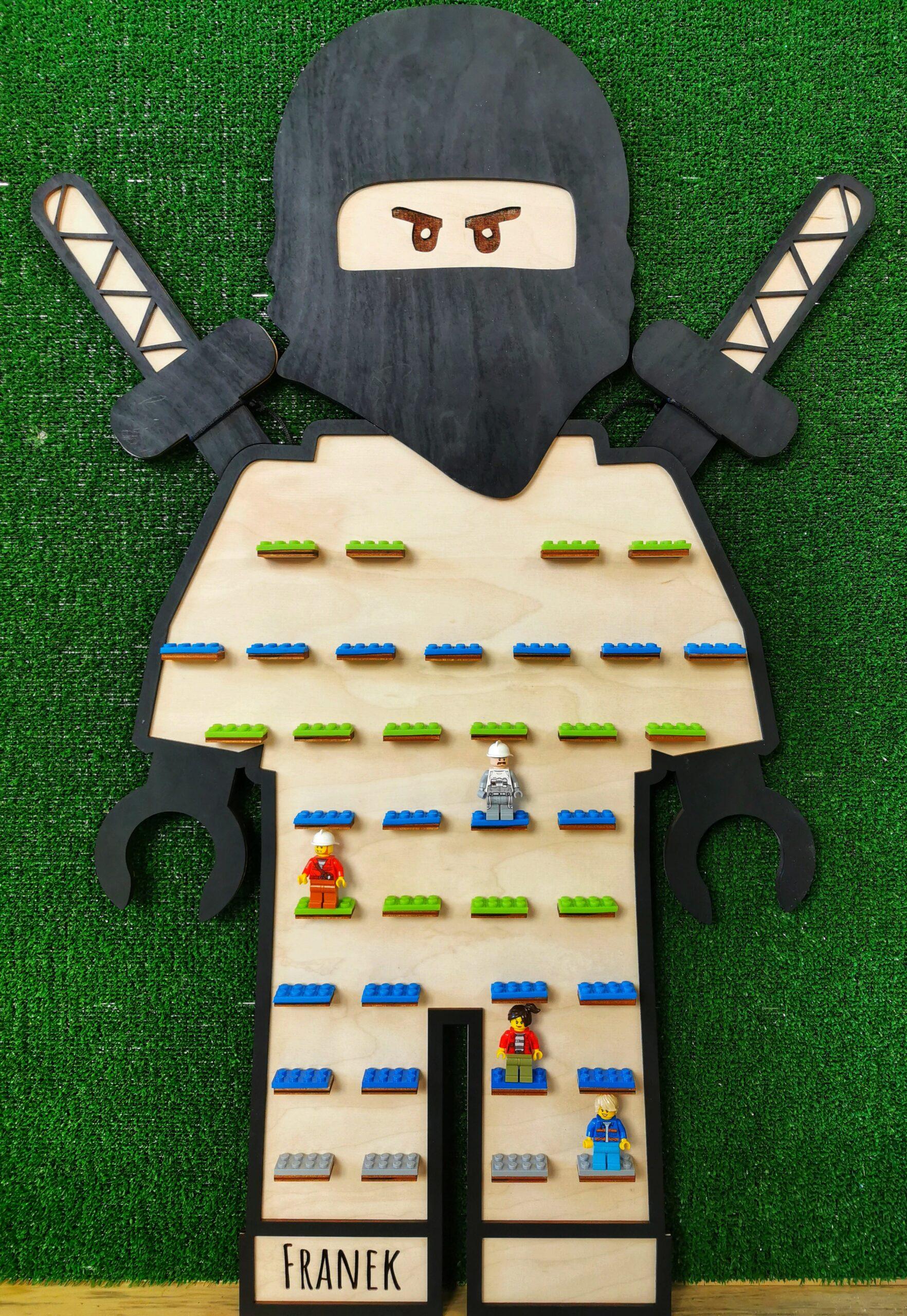 półka_na_ludziki_lego makaku